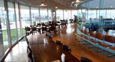 夢の島マリーナ2階 室内レストラン